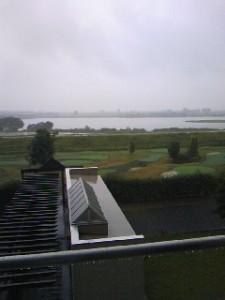 木曽川も雨模様