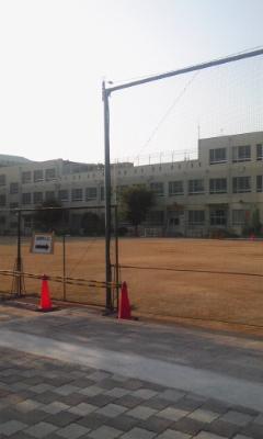 投票所の山吹小学校